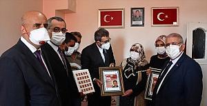 AK Parti Grup Başkanvekili Mahir Ünal, Kahramanmaraş'ta şehit ailelerini ziyaret etti