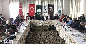 Davutoğlu, Adana'da gazetecilerle bir araya geldi