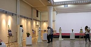 Adana'da giysi sergisi açıldı