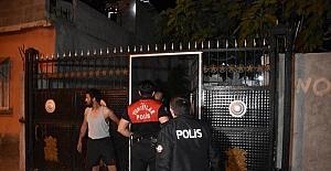Adanada tartışma sırasında pompalı...