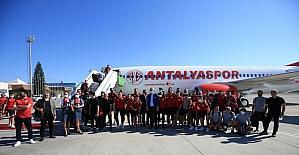 Antalyaspor kafilesi İzmir'e gitti
