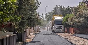 Kepez Belediyesi Yeni Mahalle'de asfalt çalışmalarını sürdürüyor
