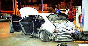 Mersin'de kontrolden çıkan otomobil akaryakıt istasyonuna girdi: 3 yaralı