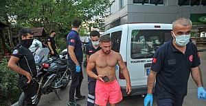 Antalya'da bir kişi bıçakla yaralandı