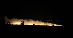 Kahramanmaraş'ta anız yangını geceyi gündüze çevirdi