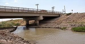 Kırıkhan'da üreticiler sulama sorununun çözümünde emeği geçenlere teşekkür etti