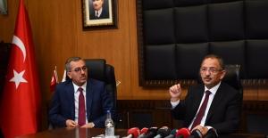 """Mehmet Özhaseki, """"CHP'nin taş üstüne taş koymak gibi bir hünerleri yoktur"""""""