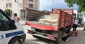 Osmaniye'de geri manevra yapan kamyonetin altında kalan kadın hayatını kaybetti
