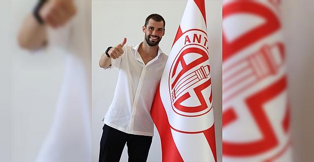 Antalyaspor, İtalyan futbolcu Andrea...