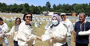 Arı Sütü Eğitim Projesi'nin üçüncüsü Silivri'de gerçekleştirildi