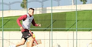 Hataysporlu futbolcu Fatih Kuruçuk, yaklaşık 1,5 ay sahalardan uzak kalacak