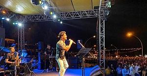 Sanatçı Yusuf Güney Elbistan Festivali'nde sahne aldı