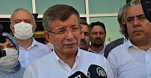 Gelecek Partisi Genel Başkanı Davutoğlu, Manavgat'taki yangın bölgesinde inceleme yaptı: