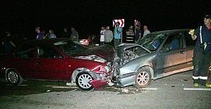 Kahramanmaraş#039;ta iki otomobil...