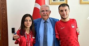 Paralimpik Sporcular Başkan'ı ziyaret etti