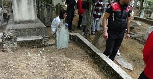 Toprağa gömülü bulunan bebeğin annesi ve anneanne tekrardan tutuklandı