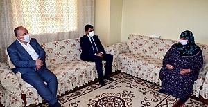 Vali Ömer Faruk Coşkun gazi ve ailelerini ziyaret etti