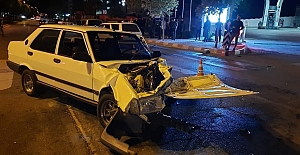 Kahramanmaraş'ta iki otomobil kafa kafaya...