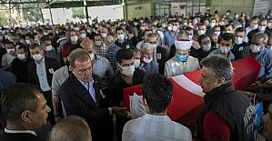 Mersin'de hayatını kaybeden itfaiyeci toprağa verildi