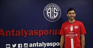 Antalyaspor, Veysel Sarı'yı transfer etti