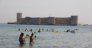 Adana ve Mersin'de sıcak hava bunaltıyor