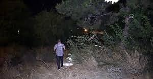 Adana'da gasp şüphelisi çalılık alanda yakalandı