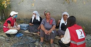Türk Kızılay'dan Adana'daki orman yangınından etkilenen ailelere yardım