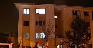 Adana'da apartmanda çıkan yangında 6 kişi dumandan etkilendi