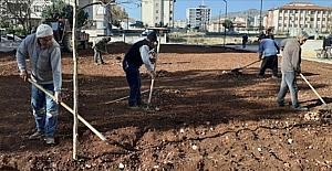 Kozan Belediyesi, semt sahası yapımına başladı