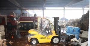 Kahramanmaraş'ta fabrika deposunda çıkan yangın büyük hasara neden oldu