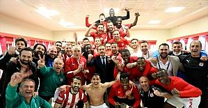 Demir Grup Sivasspor: 1 - Helenex Yeni Malatyaspor: 0