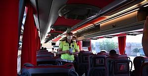 Adana'da bayram öncesi şehirlerarası seyahat eden otobüsler denetlendi