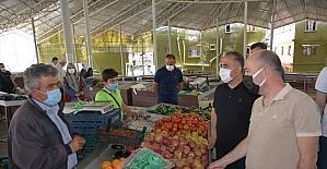 Altınözü Kaymakamı Bülent Uygur, semt pazarını denetledi