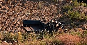 Hatay'da tarım aracı devrildi: 3 yaralı
