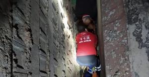 Kahramanmaraş'ta inşaat boşluğuna düşen çocuğu itfaiye kurtardı
