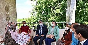 Osmaniye Valisi Erdinç Yılmaz, yaralı askeri evinde ziyaret etti