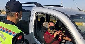 Serik'te jandarma ekiplerinden kadınlara