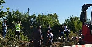 Antalya'da dereye devrilen traktörün sürücüsü öldü
