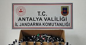 Antalya'da markette sahte içki satan kişi yakalandı
