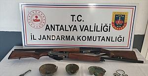 Antalya'da tarihi eser operasyonunda 2 şüpheli yakalandı