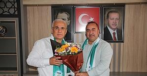 Serik Belediyespor, ilçedeki siyasi partilerin temsilcilerini ziyaret etti