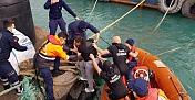 Hatay'da denize düşen kişiyi sahil güvenlik ekipleri kurtardı