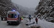 Antalya'da yolcu otobüsüyle hafif ticari araç çarpıştı: 2 ölü, 5 yaralı