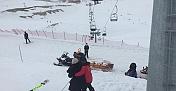 Karda mahsur kalan insanları imdadına jandarma ekipleri yetişti