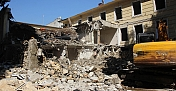 Kahramanmaraş'ta 'Sarı Bina' yıkılıyor
