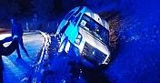 Üniversite öğrencilerinin içinde bulunduğu minibüs devrildi: 10 yaralı