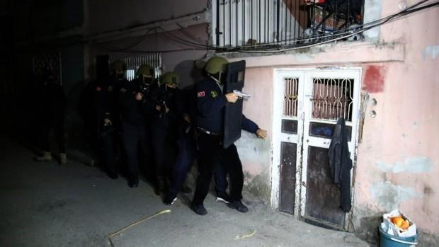 GÜNCELLEME- Adana'da terör örgütü DEAŞ soruşturması kapsamında 8 kişi gözaltına alındı